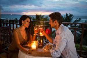 Nên đi đâu cho buổi hẹn hò đầu tiên - Thưởng thức món ngon